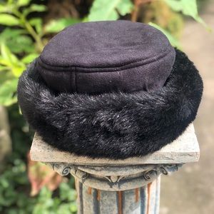 Vintage black faux fur hat